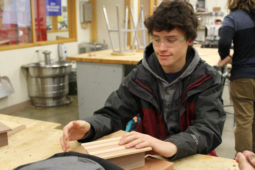 Manufactering class, Mr Bonewit, Students work on project G1